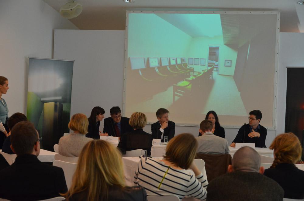 trecebijenale_ViennaPressconferenceMUMOK